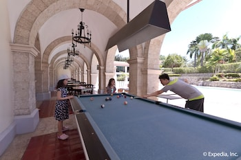 Waterfront Airport Hotel Cebu Game Room