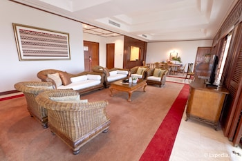 Waterfront Airport Hotel Cebu Lobby Lounge