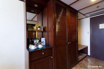 Waterfront Airport Hotel Cebu In-Room Coffee