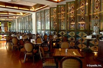 Waterfront Airport Hotel Cebu Restaurant