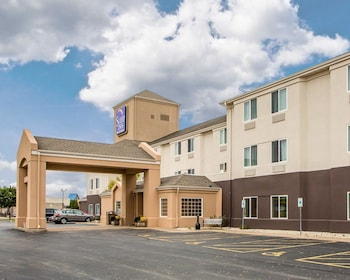 Sleep Inn & Suites Green Bay Airport in De Pere, Wisconsin