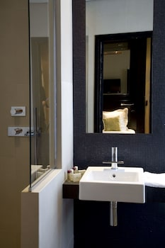 Hotel Marceau Champs Elysees - Bathroom  - #0