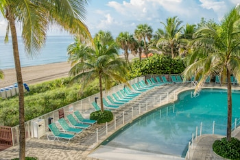 DoubleTree Resort & Spa by Hilton Hotel Ocean Point - North Miami Beach in Sunny Isles Beach, Florida