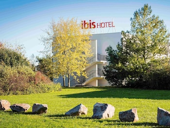 tarifs reservation hotels ibis Mulhouse Ile Napoléon
