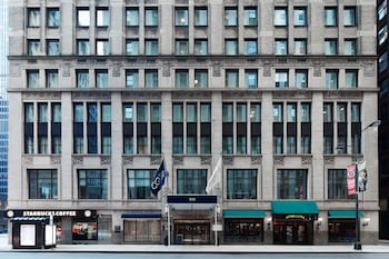 Club Quarters Hotel, Central Loop