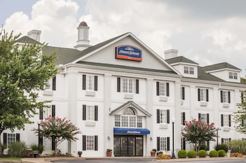 Photo for Howard Johnson by Wyndham Jackson in Jackson, Tennessee