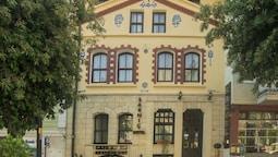Sarnic Hotel & Sarnic Premier Hotel (Ottoman Mansion)