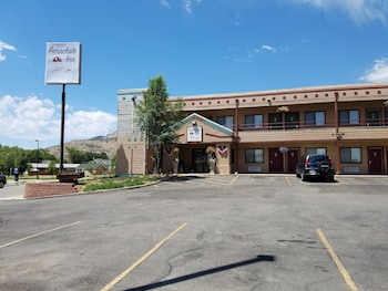 Parachute Inn in Glenwood Springs, Colorado