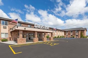 Days Inn by Wyndham Manistee in Manistee, Michigan