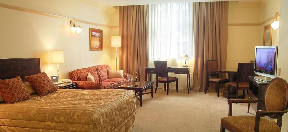 royal albert hotel brisbane inr 1161 off 8 2 9 9. Black Bedroom Furniture Sets. Home Design Ideas
