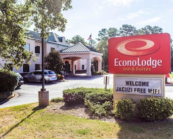Econo Lodge Inn & Suites in Marietta, Georgia