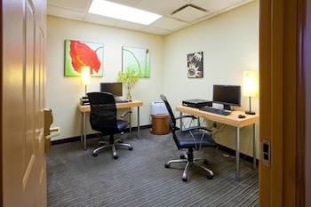 La Quinta Inn & Suites Alexandria Airport - Business Center  - #0