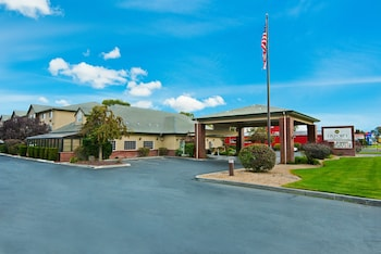 Oxford Suites Hermiston in Hermiston, Oregon