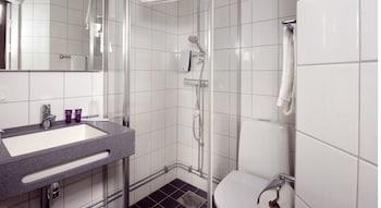 Clarion Collection Hotel Majoren - Bathroom  - #0
