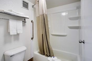 Motel 6 White House TN - Bathroom  - #0