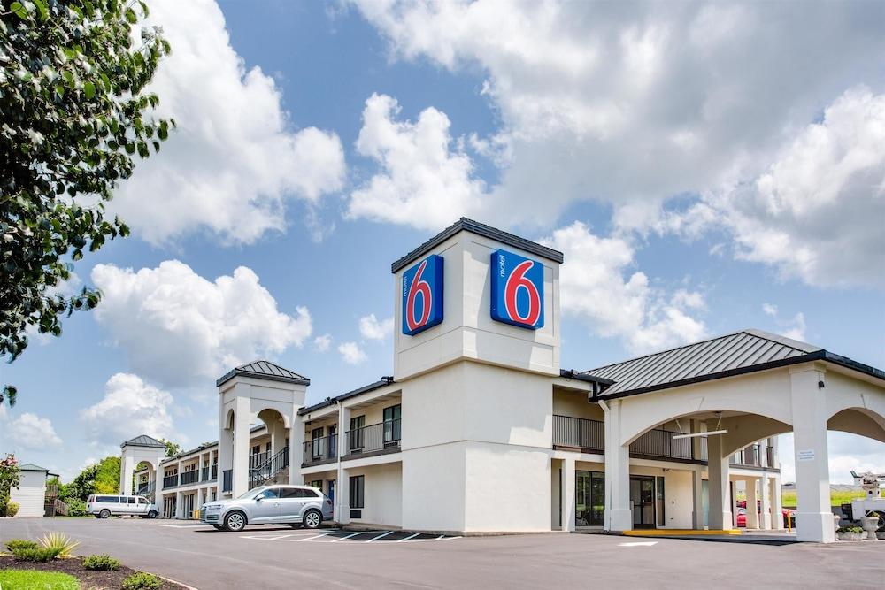 Motel 6 White House TN