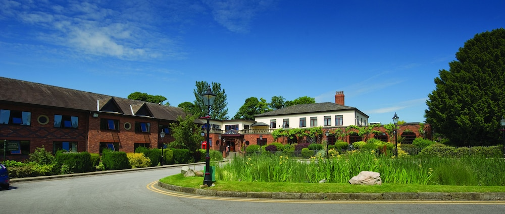 Bredbury Hall Hotel & Country Club