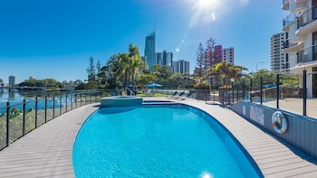 Photo for Silverton Holiday Apartments in Surfers Paradise, Queensland