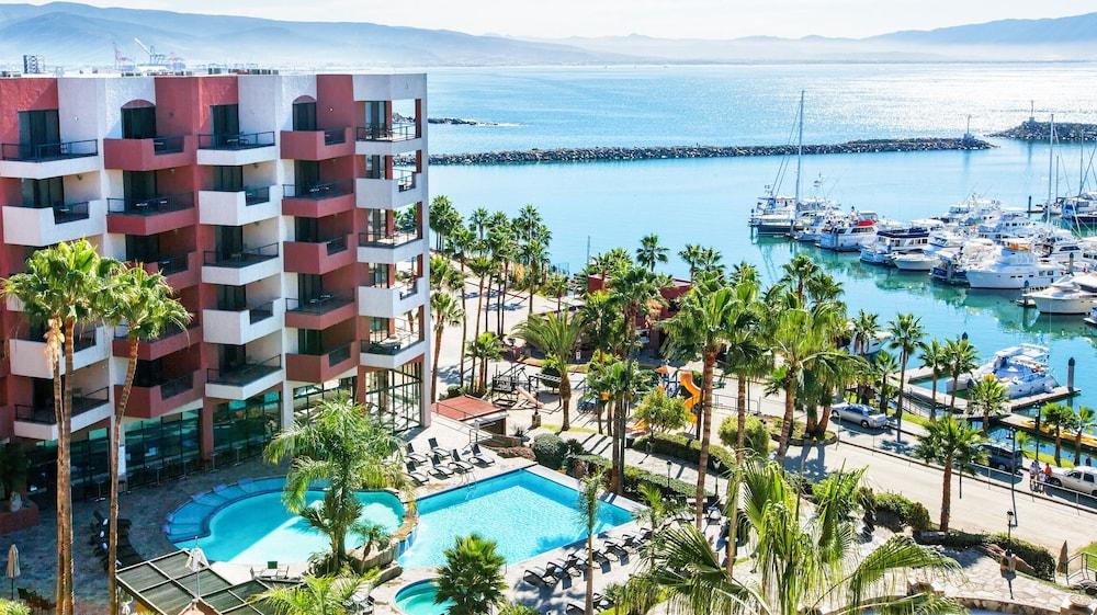 Hotel Coral And Marina