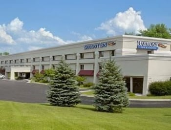 Baymont Inn & Suites Traverse City