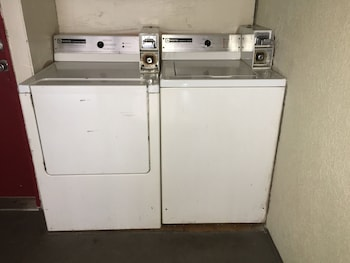 Norman Travelodge - Laundry Room  - #0
