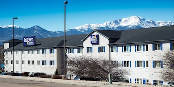InTown Suites Colorado Springs
