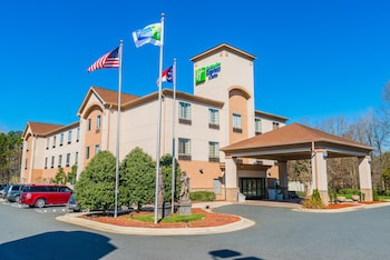 Holiday Inn Express & Suites Albermarle
