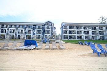Pointes North Beachfront Hotel (515468) photo