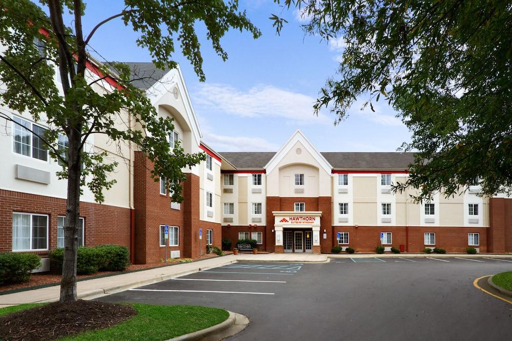 Hawthorn Suites by Wyndham Charlotte/Executive Park