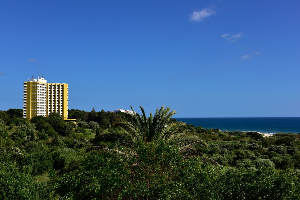 Pestana Delfim Beach & Golf Hotel