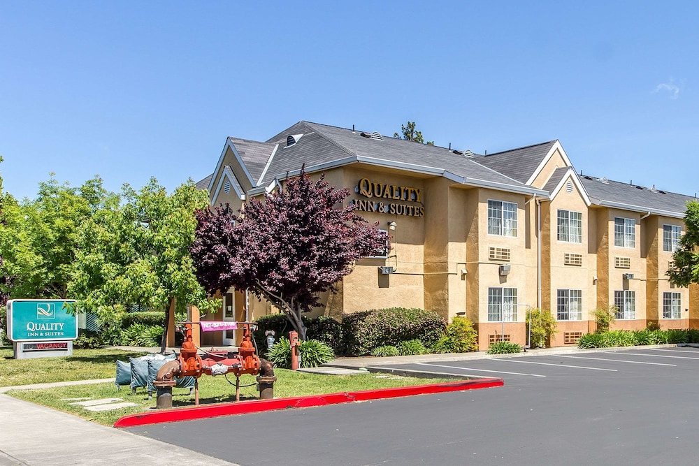 Quality Inn & Suites Wine Country