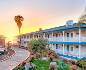 Del Mar Motel on the Beach