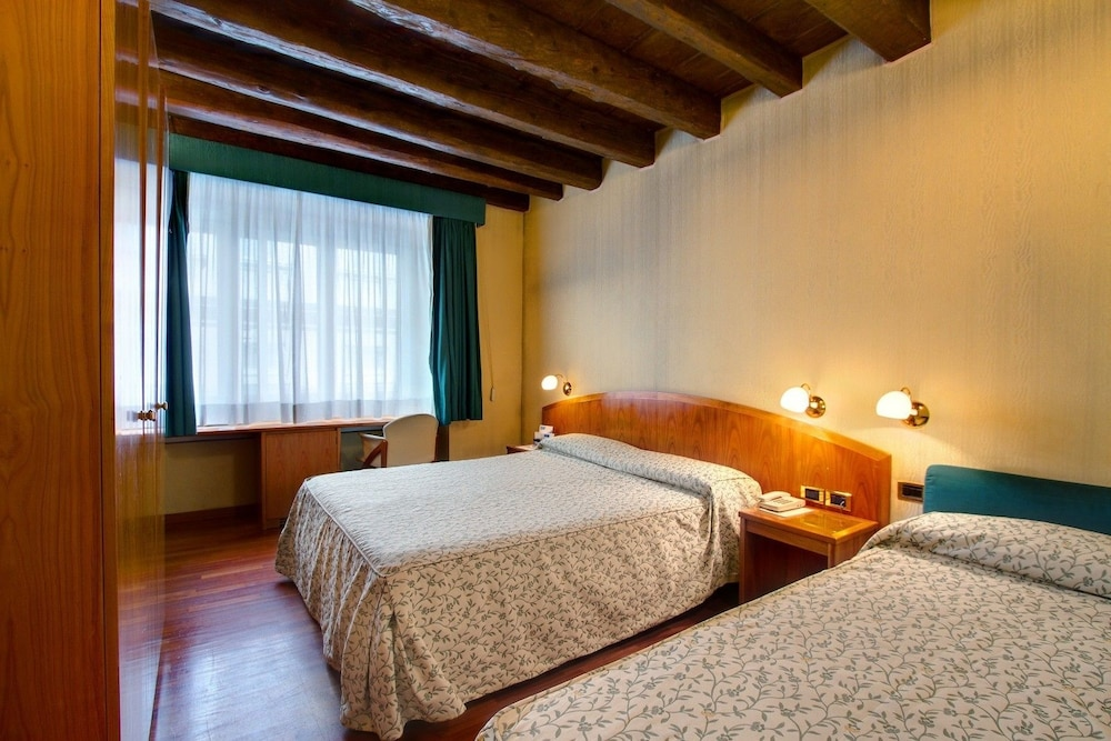 Photos Of - Hotel Corot