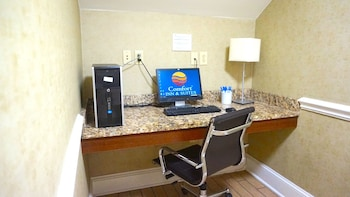Comfort Inn & Suites - Business Center  - #0