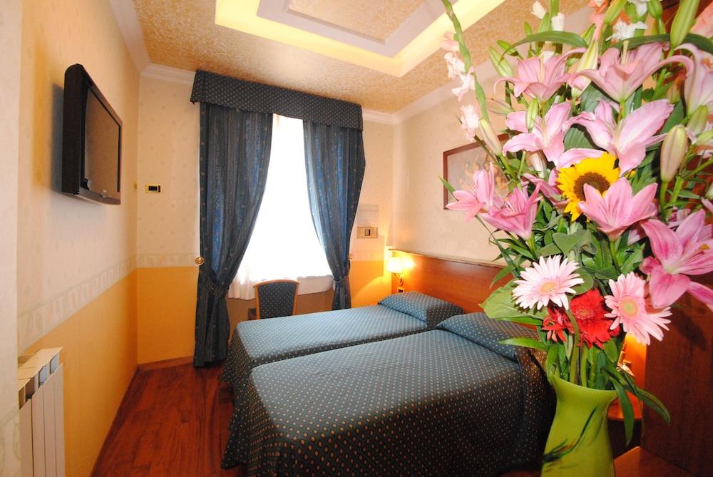 Hotel Verona-Rome