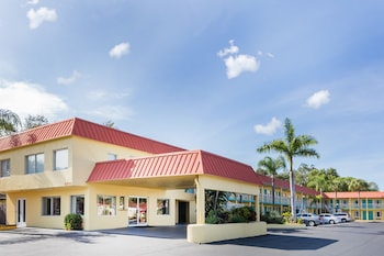 Super 8 Sarasota - Siesta Key