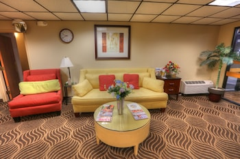 Dexter Inn - Lobby Sitting Area  - #0