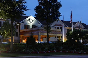 The Inn At Fox Hollow Hotel in Woodbury, New York