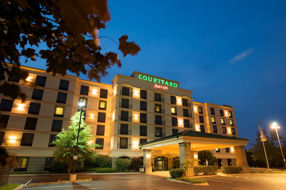 Courtyard by Marriott Louisville Airport