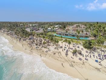 巴瓦羅渡假村守護神全包飯店及水療中心