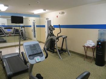 Econo Lodge Savannah South - Sports Facility  - #0