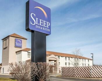 Sleep Inn & Suites Near I-90 and Ashtabula in Austinburg, Ohio