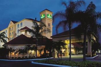 西雷克蘭拉昆塔旅館及套房飯店
