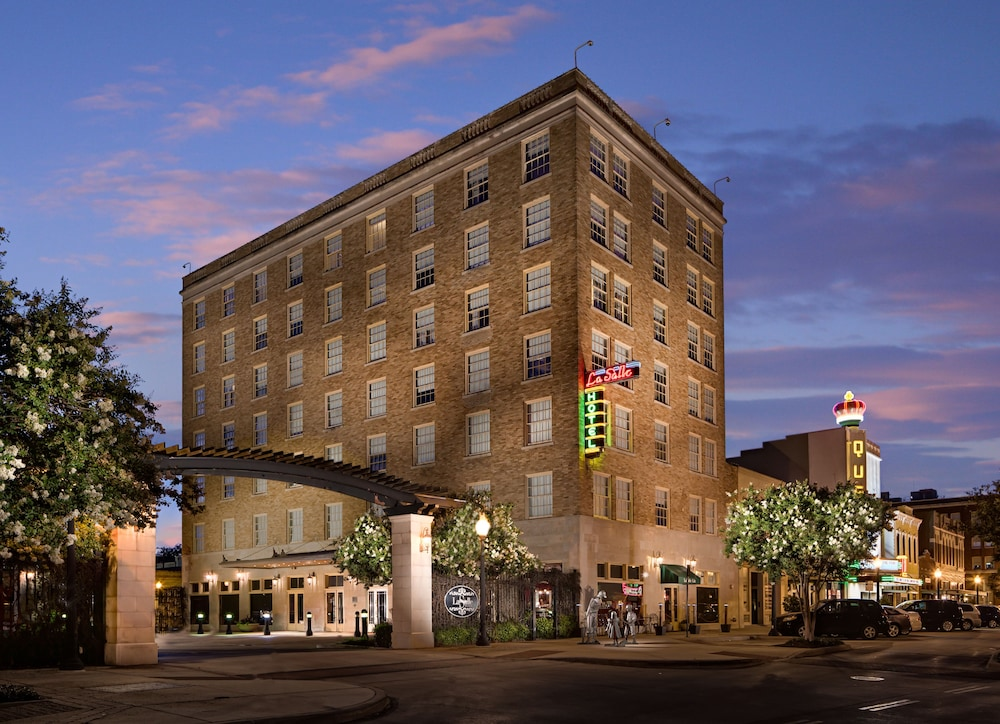 LaSalle Boutique Hotel and The Downtown Elixir and Spirits