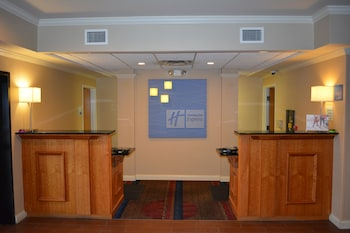Holiday Inn Express & Suites Lancaster in Lancaster, Ohio