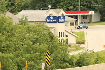 Boarders Inn And Suites - Featured Image  - #0