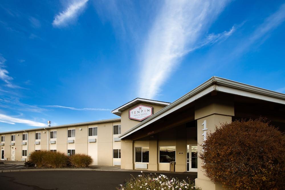 Ten Pin Inn & Suites
