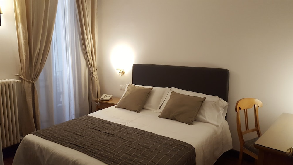 Hotel Real Orto Botanico Naples Inr 10114 Off 4 5 9 7 6 Best