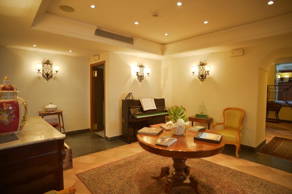 Hotel Real Orto Botanico Naples 𝐇𝐃 𝐏𝐡𝐨𝐭𝐨𝐬
