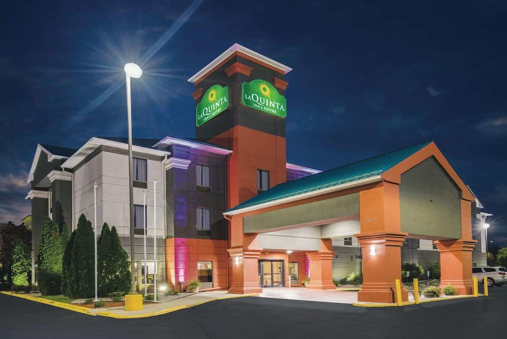 La Quinta Inn & Suites by Wyndham Louisville